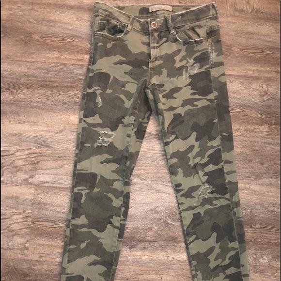 Zara Pants - Zara Camo Jeans in size 4 - only worn once!!